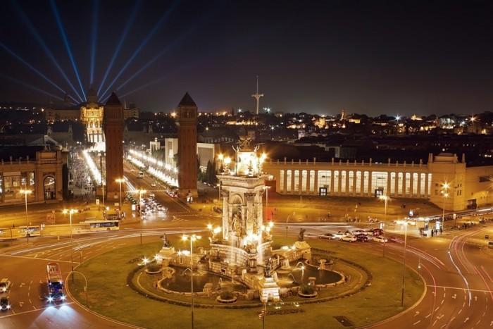 Nachtleben in Barcelona: Plaza Espana